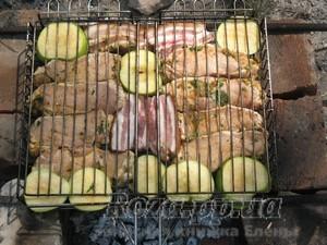 Мясо c яблоками